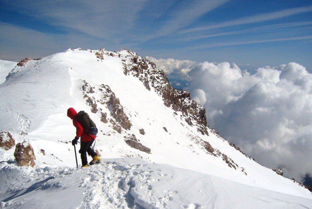 Climbing Mt. Shasta (3/4)